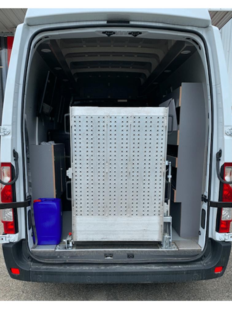 Aménagement d'une rampe sur un véhicule utilitaire